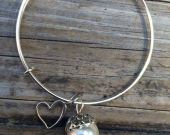 Pearl Acorn Heart bracelet, Pearl Bracelet, Love Bracelet, Adjustable Bracelet, Stacking bracelet, Gifts for her, Gifts for mom