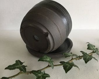 Plant pot. Ceramic planter. Ceramic plant pot. Small black stoneware planter. Inside outside planter. Plant pot.