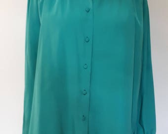 Vintage 80s long sleeve blouse shirt in jade green silky fabric 80s size large XXL