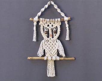 Macrame owl wall hanging, wall hanging, home decor, modern macrame, boho decor, fiber wall hanging,  owl wall art, macrame decor