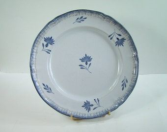 Blue plate Niderviller earthenware Perine pattern blue flowers on white background vintage