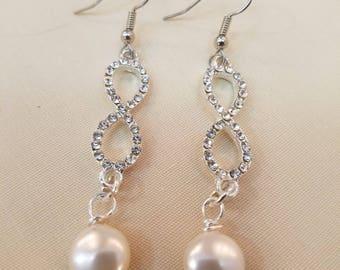 Infinity Link Coin Pearl Earrings  EE-149