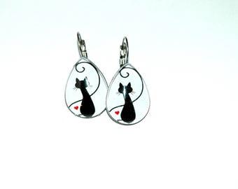 Cat shape drop earrings