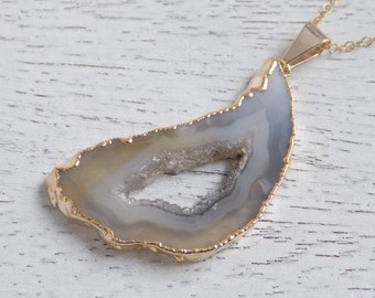 Geode Necklace, Beige Gray Geode Pendant, Geode Slice Necklace, Geode Druzy Pendant, Gold Geode Necklace, 14k Gold Fill Chain, Gift, 5-54