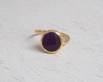 Amethyst Ring, Round Amethyst Ring, Crystal Ring, Gemstone Ring, Small Stone Ring, Purple Stone Ring, Minimalist Ring, Statement Ring, D3-51