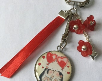 "Door keys ""love"" Valentine's day, ribbons and red flowers cabochon resin pair of hedgehogs"