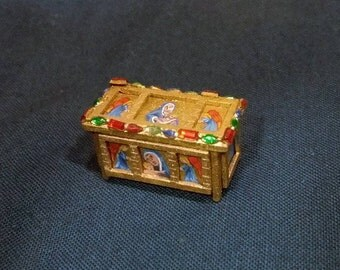 1/48th Quarter scale Dolls house Hand painted Medieval style reliquary box
