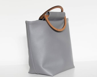 Cleo Handbag - Gray bag - Wooden handle - Faux leather bag - Gray handbag - Magnetic snap - Fully lined bag - Made in Canada - by BeEmerald