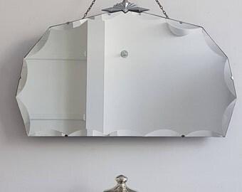 Large Art Deco MIrror With Chrome Crest Crown & Scalloped Edge Großer Art Deco Spiegel Gran espejo Art Deco Grand miroir Art déco