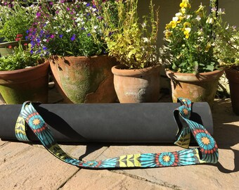 Fringe Flowers Retro Yoga Mat Strap