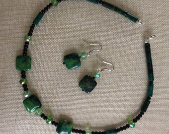 Green and Black Necklace Pairing