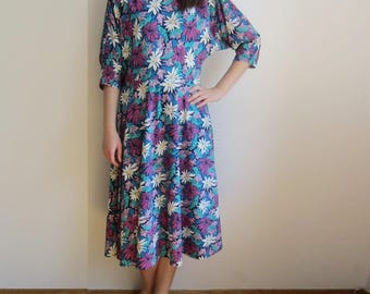 vintage 70s Pleated floral print day secretary dress S M