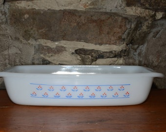 Milk Glass, Dynaware, Pyr-O-Rey, Flower Pattern, Casserole Dish, Serving Dish, Blue and Red flowers, mint condition, rectangular, Vintage