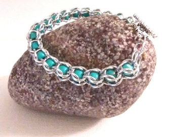 Silver and Turquoise Captive Bead Bracelet - Captured Bead - Chainmaille Bracelet - Captive Bead Silver and Turquoise Chainmail Bracelet