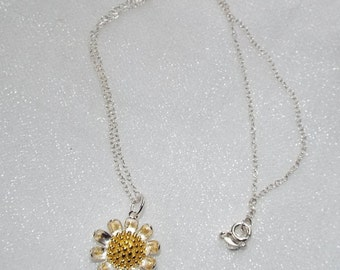 Sterling Silver daisy pendant and chain