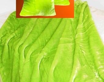 Top offer! 3 piece set, 1 bedspread 200 x 160 + 2 pillowcases 40 x 40 apple green