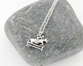 Horse Jumping Necklace, Show Jumping Necklace, Horse Jewellery, Horse Jewelry, Show Jumping Gift, Horse Jumping Gift