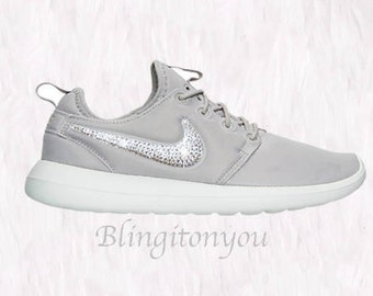 Nike Roshe Two Flyknit (3 6) Older Kids' Shoe. Nike RO