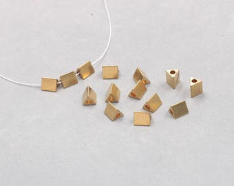 30Pcs, 7mm Raw Brass Triangle Beads , Hole Size 1.5mm , SJP-A023