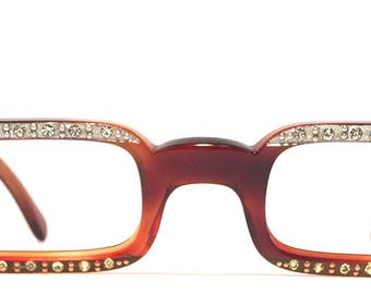 Vintage eyewear. Square shape. Tortoise color. Fab rhinestones! Made in USA 1960's. Excellent quality Great condition. Hip Artistic Unique!