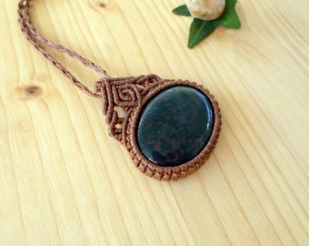 Bloodstone macrame pendant, macrame jewelry, bloodstone necklace, macrame stone, gemstone pendant, bloodstone jewelry, hippie pendant