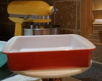 """Pyrex Flamingo Pink 222 8"""" Square Glass Baking Dish"""