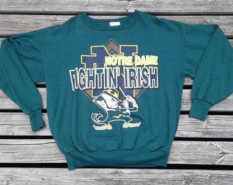 Vintage 80'S / 90's University of Notre Dame Fighting Irish Green Crew-neck sweatshirt Made in Canada Medium