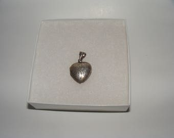 Vintage Sterling Silver Puff Heart Locket - no chain