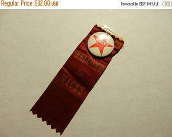 Summer Sale Vintage 1950s Macys Button / Ribbon Welcome to Macys