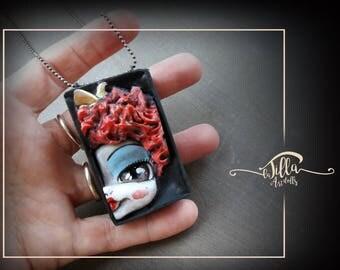 """CIONDOLO Necklace """"dolls in a box"""" ispirato alla REGINA di CUORI Queen of Hearts of Alice in wonderland!"""