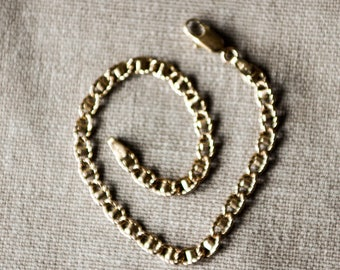 An Interesting 9ct Gold Bracelet   SKU1149
