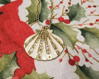Bling Seashell necklace