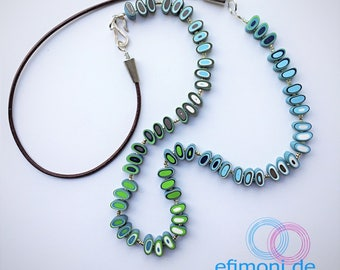 Necklace with gradient colors and leatherstring