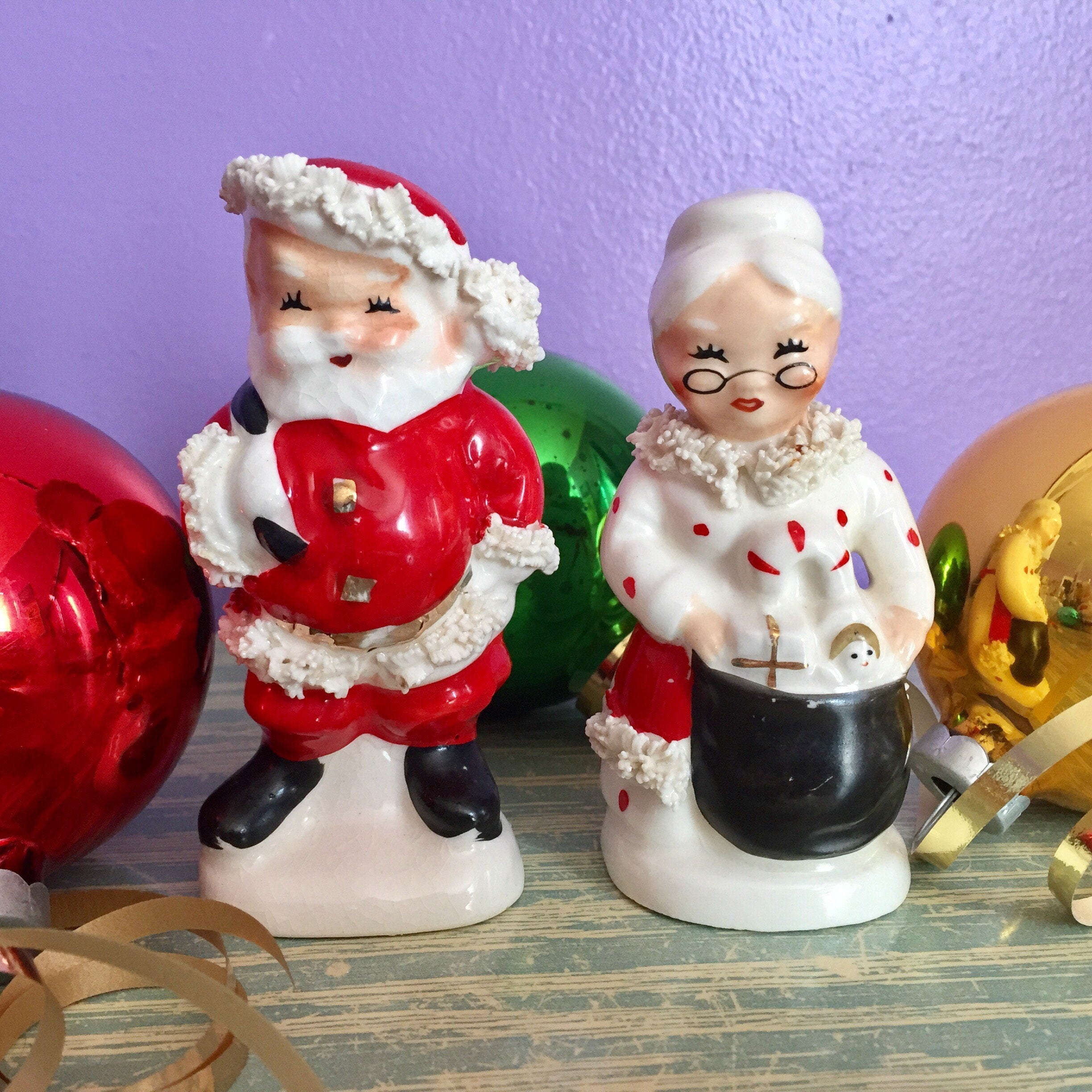 Vintage NAPCO Mr. And Mrs. Claus SALT and PEPPER Shakers - Ceramic ...