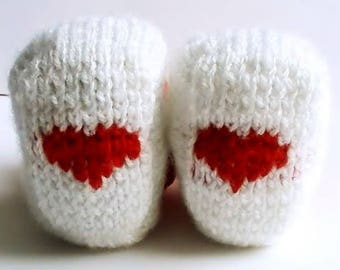 Red and white hearts baby booties