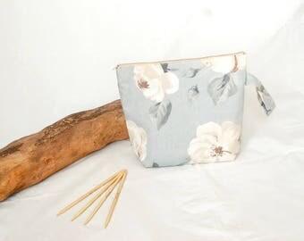 Small knitting bag, zipper bag, knitting gift, project bag, crochet bag, yarn bag, make up bag,