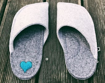 Handmade Japanese Slippers - Light Grey and Dark Grey Personalised Slippers with a heart patch - House slippers - Felted slippers