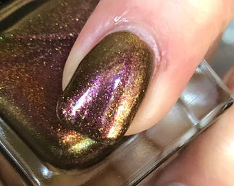 CHRISTMAS COUTURE Multi-Chrome Nail Polish