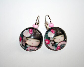 Collection doll Japanese Fuchsia earrings, black & pink.
