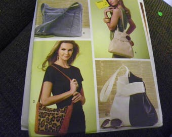 Sewing Pattern - Vogue Patterns Accessories V8661 - Four Different Style Bags, Purses, Totes