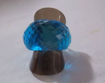 ring made of transparent blue resin (T63)