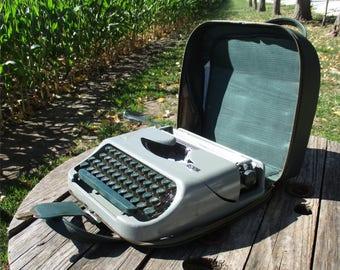Green Royal Royalite Portable Manual Typewriter Made Holland Vintage Part Repair