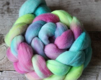 Cairns - Australian Merino Wool Roving / Top (18 micron)