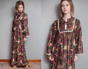 Vintage 1970's I Ethnic I Folk I Long Maxi Dress I Wide Sleeves I Pockets I S/M