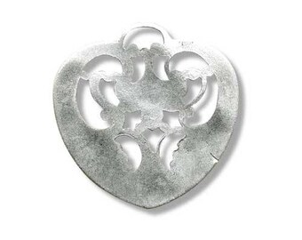 Metal 27mm antique silver heart pendant