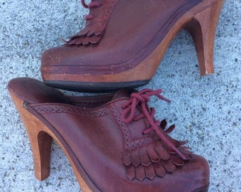The best vintage clogs!