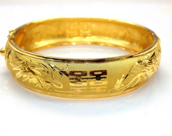 24k Yellow Gold Chinese Design Bangle