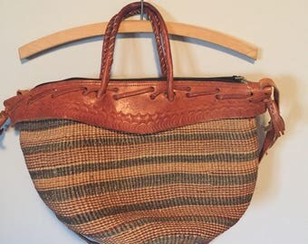 Vintage sisal market bag leather upper, straps and handles excellent shape
