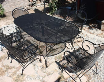 Vintage Woodard collection Wrought Iron Patio set, Oval table & 6 rocking armchairs, outdoor furniture, made of wrought Iron