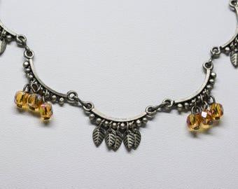 Gorgeous silver tone necklace